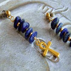 Pendant d'oreilles Lapis Lazuli et  croix Ankh plaqué or de la boutique EcrindeLoula sur Etsy