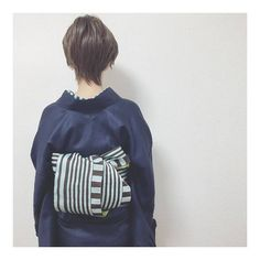 着物に合わせてもOK♪カジュアルな「半幅帯」の結び方と素敵なコーディネート[2ページ目] | キナリノ Japanese Outfits, Yukata, Fasion, Drawstring Backpack, Adidas Jacket, Dress Up, My Style, Heart Origami, Jackets