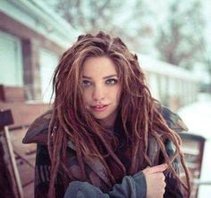 Would You Look Good In Dreads? I got: You may not be able to pull of a whole head of dreads but a few random ones would look great! Would You Look Good In Dreads? Dreads Styles, Dreadlock Styles, Curly Hair Styles, Dreadlock Extensions, Half Dreads, Partial Dreads, White Dreads, Dreadlocks Girl, Beautiful Dreadlocks