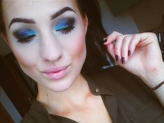 #eyemakeup #eyebrows #makeup #blackeyeshadow #black #blue #hazeleyes #allblack #donemymakeup #alldone #girl #smokeyeyes #smokeyeye