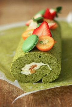 matcha roll cake by Tracy.Vikingcat, via Flickr