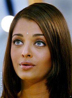 Aishwarya Rai Young, Aishwarya Rai Photo, Aishwarya Rai Bachchan, World Most Beautiful Woman, Indian Bridal Makeup, Beautiful Indian Actress, Beauty Queens, Pretty Face, Indian Beauty