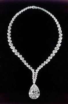 """Taylor and Cartier pear-shape """"Taylor-Burton"""" diamond.originally worn as a ring-then converted into a Cartier pear-shape """"Taylor-Burton"""" diamond.originally worn as a ring-then converted into a Cartier necklace. Elizabeth Taylor Schmuck, Cartier Necklace, Royal Jewels, Diamond Are A Girls Best Friend, Diamond Jewelry, Diamond Necklaces, Diamond Earrings, Jewelry Collection, Vintage Jewelry"""