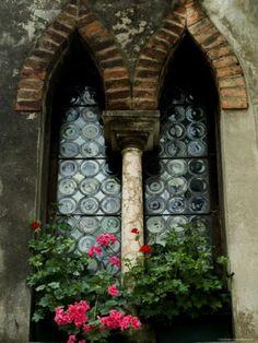 Asolo, Italy - discover the city of a hundred horizons @ http://www.venice-italy-veneto.com/Asolo.html
