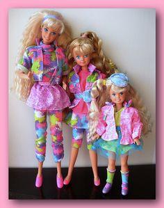 Barbie and her sisters Barbie 90s, Barbie Skipper, Barbie Movies, Vintage Barbie Dolls, Barbie And Ken, Barbie Sisters, Barbie Family, Barbie Wardrobe, Chelsea Doll
