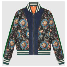 Gucci Grotesque Garden Print Silk Bomber Jacket (56,935 MXN) ❤ liked on Polyvore featuring men's fashion, men's clothing, men's outerwear, men's jackets, mens floral bomber jacket, mens floral jacket, mens short sleeve jacket, gucci mens jacket and mens quilted bomber jacket