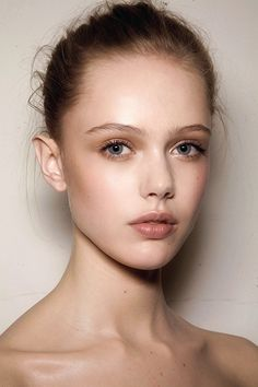 Gorgeous barely there makeup - perfect face.  What would it look like on 40+