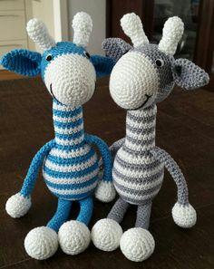 Deze leuke giraffen zag ik laatst op een blog. Helaas verkocht de maakster geen patronen. Toen ben ik zelf maar wat aan het prutsen gegaan, ...