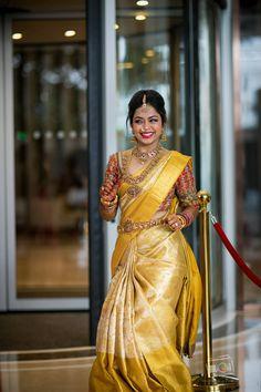 30 Épousée Kanjeevaram Saris que j& ce mois-ci - - Or Kanje . Pattu Sarees Wedding, Indian Bridal Sarees, Bridal Silk Saree, Indian Bridal Fashion, South Indian Bride Saree, South Indian Weddings, South Indian Bride Jewellery, Gold Silk Saree, Kerala Bride