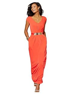 Shop Sleeveless Pleat-Front Maxi Dress . Find your perfect size online at the best price at New York & Company.