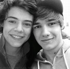 BEST BROMANCE EVER!!! Luv luv KEUR KEUR !!! Harry et Liam! Les vrai kifferons, les rageux supprimerons