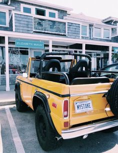 This particular ford bronco is genuinely a stunning style technique. Bugatti, Maserati, Fancy Cars, Cute Cars, Vsco, My Dream Car, Dream Cars, Dream Life, Rolls Royce