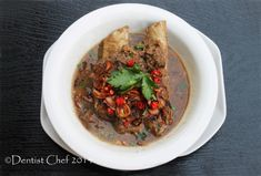 Resep Sup Konro Bakar Iga Sapi Khas Makassar (Indonesian Spicy Beef Ribs Soup, Barbequed with Peanut Sauce) Indonesian Food, Indonesian Recipes, Bone In Ribeye, Rib Bones, Beef Ribs, Makassar, Peanut Sauce, Spicy, Cooking Recipes