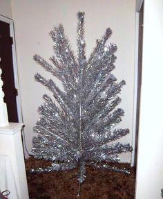 VINTAGE ALUMINUM CHRISTMAS TREE 6 & 1/2 FEET retro space age 60s mcm eames mod