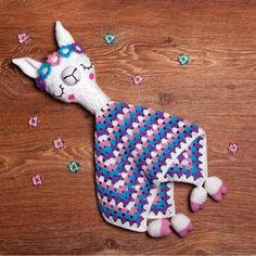 Llama Lovey crochet pattern by Ds_mouse Crochet Lovey, Manta Crochet, Crochet Patterns Amigurumi, Crochet Blanket Patterns, Crochet Gifts, Cute Crochet, Baby Blanket Crochet, Beautiful Crochet, Crochet Dolls