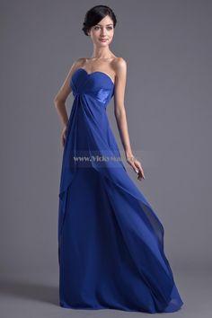 navy Blue Bridesmaid Dresses   Long navy blue bridesmaid dresses witness the perfect romantic wedding ...