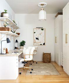 Small and Cozy Rental Condo Photos Condo Interior Design, Condo Design, House Design, Interior Decorating, Design Ppt, Design Case, Apartment Therapy, Home Office, Office Den