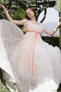 女の子の永遠の憧れ♡ガーリー&ロマンティックなジルスチュアートの純白ドレス♡にて紹介している画像