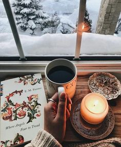 New post on afairyheart - Douceur & Hygge - Comfy & Hygge way of life - Christmas Mood, Noel Christmas, Hygge Christmas, Christmas Lights, Christmas Decorations, Winter Wonderland, Christmas Wonderland, Book And Coffee, Fall Inspiration