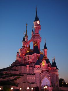 European Travel with Kids: Disneyland Paris.  Sleeping Beauty's Castle / le Château de la Belle au bois Dormant
