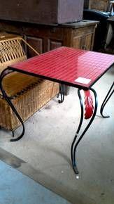 TABLE BASSE CARRELEE ROUGE/FER FORGE Jette