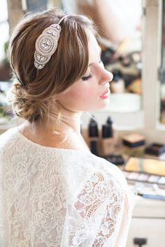 Beautiful & Unique Hair Accessory Ideas For Your Wedding Day see more at http://www.wantthatwedding.co.uk/2014/11/14/beautiful-unique-hair-accessory-ideas-wedding-day/