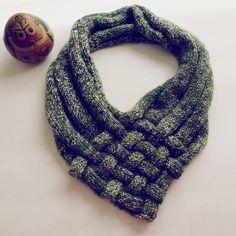 PDF Knit Pattern Weave Capelet  easy tutorial lot of by bySol, $6.00