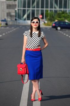 Miss Green: Happy dots Winter Outfits Women, Summer Outfits, Casual Outfits, Cute Outfits, Red Skirts, Cute Skirts, Miss Green, Fashion Gallery, Work Wardrobe