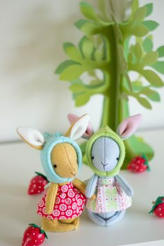 Rhubarb - Felt rabbit sewing pattern PDF Designed by Simone Gooding of May Blossom