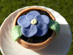 Flower Pot Cupcakes from Baker in the Basement.