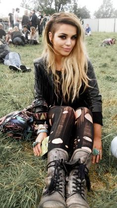 Such a hot look, dark faded roots, undercuts & ripped tights