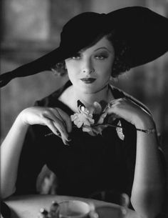 Myrna Loy in fab hat. Golden Age of Hollywood. Old Hollywood Glamour, Golden Age Of Hollywood, Vintage Hollywood, Hollywood Stars, Classic Hollywood, Hollywood Icons, Myrna Loy, Classic Movie Stars, Classic Films