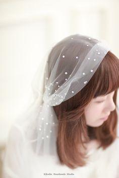 swarovski crystals juliet veil, crystal Juliet Cap Veil, ankle length veil #handmade #bridalhair #headdress #wedding #ideas #gift #kikuikestudio #ceremony #花嫁 #lamariée #novia #Braut #bride