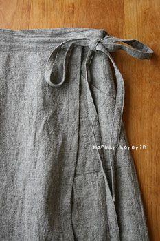 ラップスカート Linen skirt. Directions in Japanese. I think. But follow the pics if you know what you're doing. (I don't. I'll ask someone else to make it. Tee hee!) I love the fastener to keep it from flying open. I'd about given up on wrap skirts.