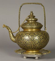 Teapot  Thailand  The Smithsonian Museum of Natural History, Anthropology Department
