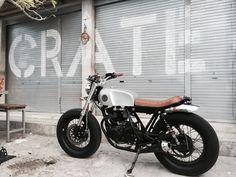 WOW! Suzuki Thunder 250 Brat Style MalaMadre Motorcycles. Awesome bike #motorcycles #bratstyle #motos | caferacerpasion.com