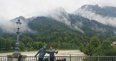 Bikepacking Linz > Innsbruck (Etappe 2) Nach Etappe 1 haben wir die zweite Etappe dieser Tour offiziell nur wegen unserer Willensstärke angetreten. Dass wir bei dem Wetterbericht gestartet sind zeigt aber auch ein bisschen unsere Verrücktheit. Tour Da wirklich viel Regen angesagt wurde habe ich den ursprünglichen Plan über den Chiemgau verworfen und die direkte Route über Lofer gewählt. ÖBB Die ÖBB verdient sich eine eigene Überschrift denn ohne sie wäre die Tour nicht so einfach möglich… Innsbruck, Mount Everest, Mountains, Nature, Travel, Linz, Rain, Adventure, Simple