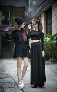 Korean Fashion – How to Dress up Korean Style – Designer Fashion Tips Hipster Grunge, Style Hipster, Grunge Style, Pastel Goth Style, Dark Fashion, Grunge Fashion, Asian Fashion, Trendy Fashion, Fashion Trends