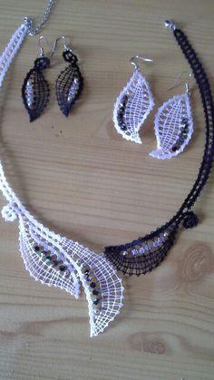 Ogrlica in dva para uhanov, swarovski kristali, lrma Pervanja. Izdelala cl.