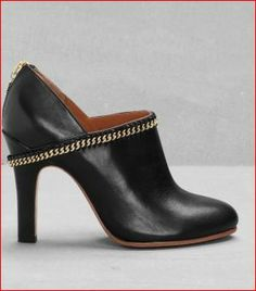 Black ankle boots (also available in dark yellow and dark blue) stories.com € 125