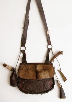 Contemporary Makers: Hunting Pouch by John Barrett for Barry Maxfield