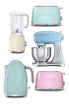 Lovely pastel Smeg kitchen appliances to complete the retro kitchen look. Deco Design, Küchen Design, Deco Pastel, Cocina Shabby Chic, Deco Retro, Estilo Retro, Retro Home, Kitchen Gadgets, Vintage Kitchen Appliances