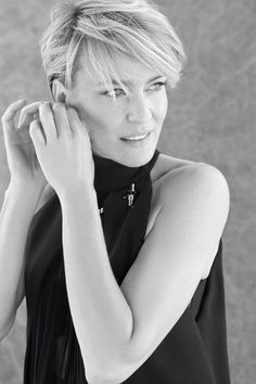 Immagine di http://www.short-haircut.com/wp-content/uploads/2013/03/Robin-Wright-short-hair-style.jpg.