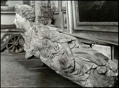 """Figure de proue de """"La Pomone"""" en bois sculpté, Musée de Marseille."""