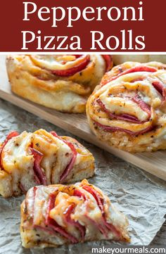 Yummy Appetizers, Appetizer Recipes, Snack Recipes, Cooking Recipes, Homemade Pizza Rolls, Pepperoni Rolls, Sandwiches, Tailgate Food, Tasty