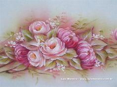 http://www.luismoreira.com.br/arquivos/uploads/galerias/Galeria_de_Artes_1/autoviewer.swf
