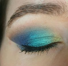 Urban Decay Afterdark palette. Lid topped with L'oreal Infallible in Endless Sea