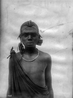 Africa | A Maasai Youth.  East Africa.  ca. early 1900s | ©C. Vincenti