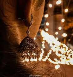 The Right Way To Care For Your Beautiful Jewelry Cute Girl Poses, Cute Girl Photo, Girl Photo Poses, Picture Poses, Picture Ideas, Photo Shoot, Diwali Photography, Jewelry Photography, Creative Photography