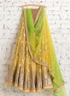 Lehenga Choli: Best Indian Lengha and Ghagra Choli Online Desi Wedding Dresses, Indian Wedding Outfits, Indian Outfits, Wedding Wear, Wedding Lehanga, Indian Clothes, Wedding Beauty, Bridal Dresses, Indian Bridal Lehenga